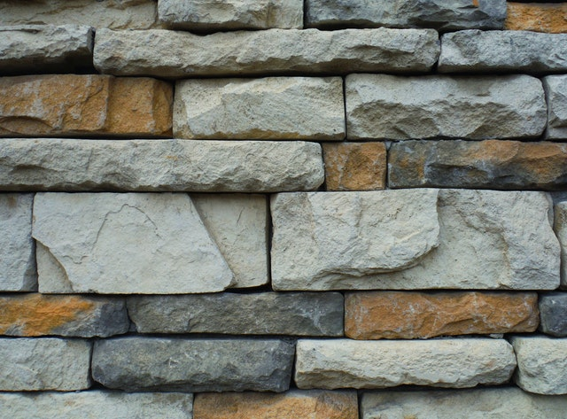 beton, cihly, kámen